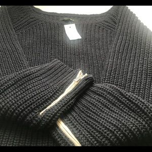 Ann TaylorSweater w/ leather zip sleeves XL